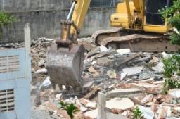 Limpeza de Terreno - Remoção de entulhos -serviço Profissional