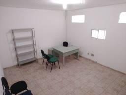 Imóvel com 338 m2 na Antonio Barreto