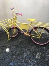 Vendo bicicleta - carga (R$300), aceito oferta.