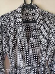 Chemise preta e branca com barra em renda.