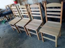 Cadeiras de madeira! R$110,00 cada