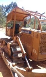 Trator de Esteira AD7B - ANO 82