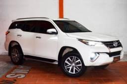 Toyota Hilux SW4 SRX 2.8 4X4 2017 Diesel Automático