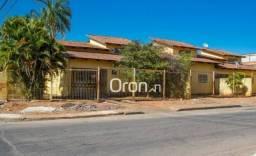Casa com 6 dormitórios à venda, 272 m² por R$ 450.000,00 - Setor Garavelo - Aparecida de G