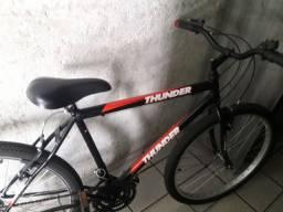 Bicicleta thunder novinha comprada a alguns messes