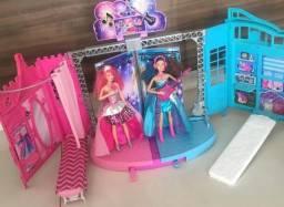 Barbie Rock N Royals Palco Mattel com 2 bonecas