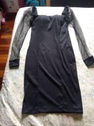 Vestido preto canelado