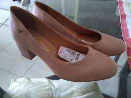 Vendo Sapato Feminino Novo