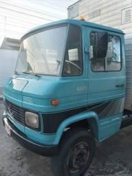 Título do anúncio: Caminhão Bau - MB 608