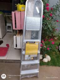 Título do anúncio: Escada de alumínio 5 degraus nova nunca usada entrego