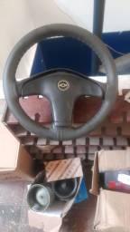 Título do anúncio: Vendo volante do Corsa Classic 2004