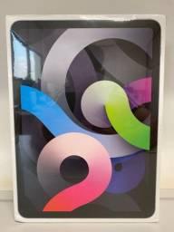 """Título do anúncio: iPad Air 4ª geração 10.9"""" Cinza Espacial 64gb Wi-Fi"""