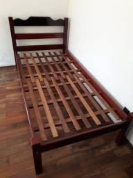 Promoção: Cama de madeira solteiro usada e em bom estado. Franca/SP