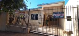 Título do anúncio: Casa para Venda em Maringá, Jardim Brasília, 2 dormitórios, 1 banheiro, 1 vaga