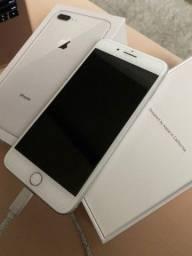 iPhone 8 plus na caixa