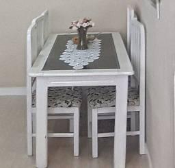 Vendo mesa 6 cadeiras