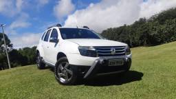 Duster Dynamique 2.0 4 x 4 ano 2013