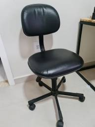 Título do anúncio: Cadeira giratória secretária