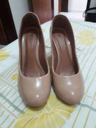Vendo sapato alto