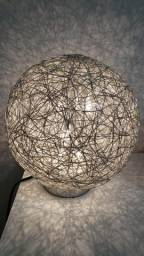 Luminária de mesa(abajur)