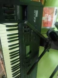 Teclado sintetizador yamaha sy77