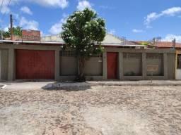Casa para Venda em Parnaíba, REIS VELOSO, 3 dormitórios, 2 suítes, 1 banheiro, 3 vagas