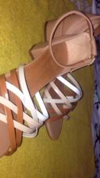 Sandálias novas e semi novas
