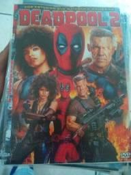 Vendo todos meus dvds, tem dvds variados,tem dvds de filme,filme desenho, clipe de música.