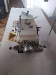 Máquina industrial overlock