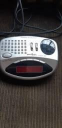 Rádio relógio Britânia
