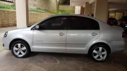 VW POLO SEDAN COMFORTLINE - Apenas 44.000 Km