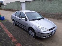 Vendo ou troco Ford focus sedan Completo ano 2007. 1.6 manual.