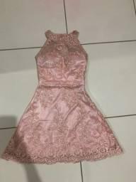 Vestido rosê de tule bordado