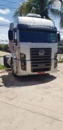 Vende-se caminhão