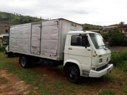 Caminhão baú VW  7100-Ano 94