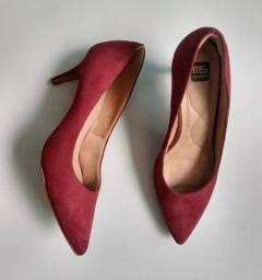 Vendo sapato de salto N°39