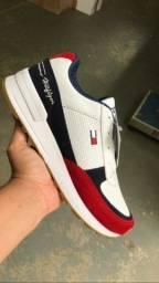 Vendo tênis e sapatos preços de fabrica