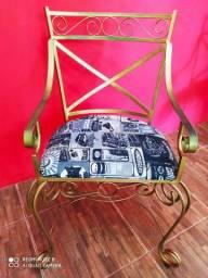 Vendo 2 cadeiras ferro