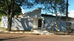 Vende-se terreno com 3 casas no Jardim Maia
