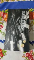 Lanterna tática recarregável bivolt