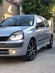 Título do anúncio: Renault Clio Authentic 1.0 V8 2005/2006