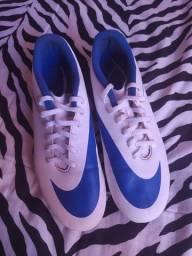 Chuteira Campo Nike semi-nova!!
