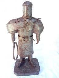 Escultura de ferro do Laçador