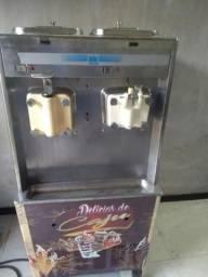 Máquina de sorvete e açaí Taylor