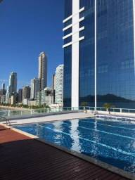 Loft Balneário Camboriú 3 pessoas c piscina de frente para o mar
