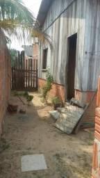 Vende-se casa com beco por R$ 20.000