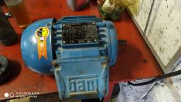 Motor 3 cv pouco usado 220/380 volts