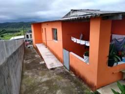 Casa com ótimo acabamento em Biritiba Mirim!