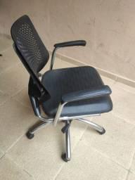 Cadeira confortável para home office