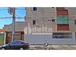 Apartamento para alugar com 3 dormitórios em Umuarama, Uberlandia cod:282707